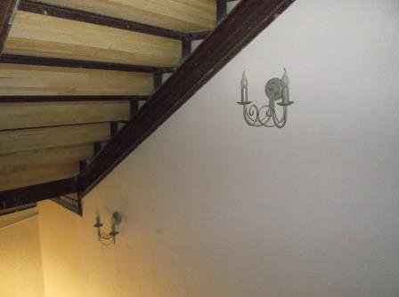 бра над лестницей в подвал2