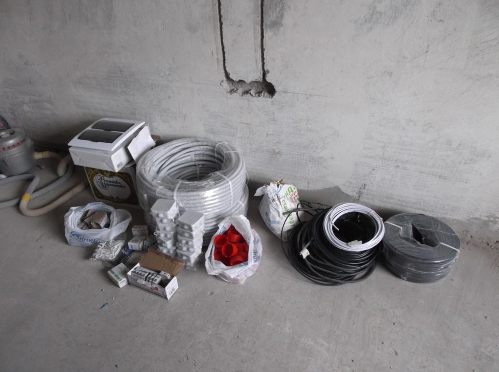 Материалы для замены электропроводки.
