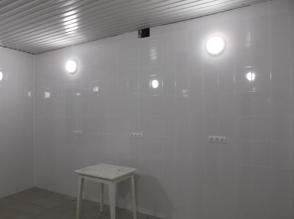 Установка розеток и светильников