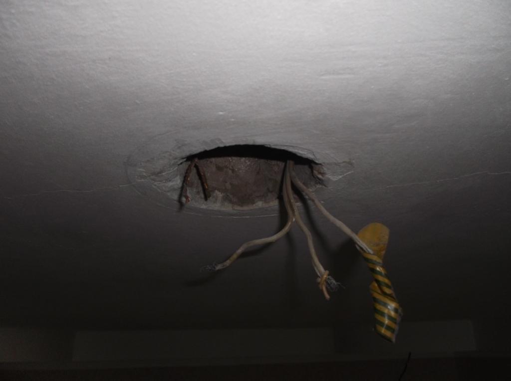 Провода на освещение коридора