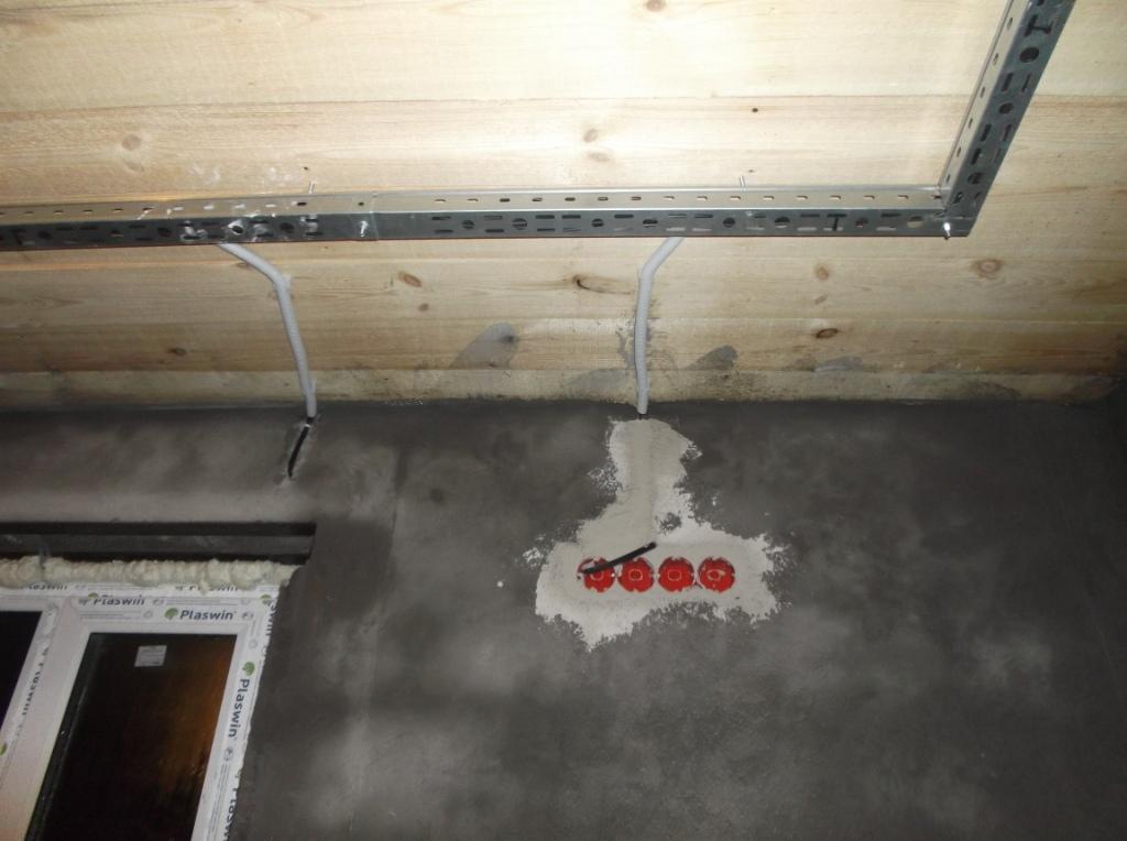 Вмазанные подрозетники 3 вывод провода на рольставни