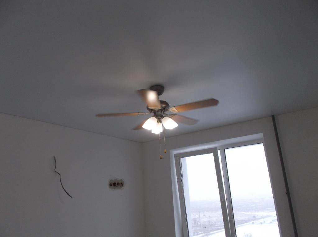 Люстра-вентилятор на кухне 1
