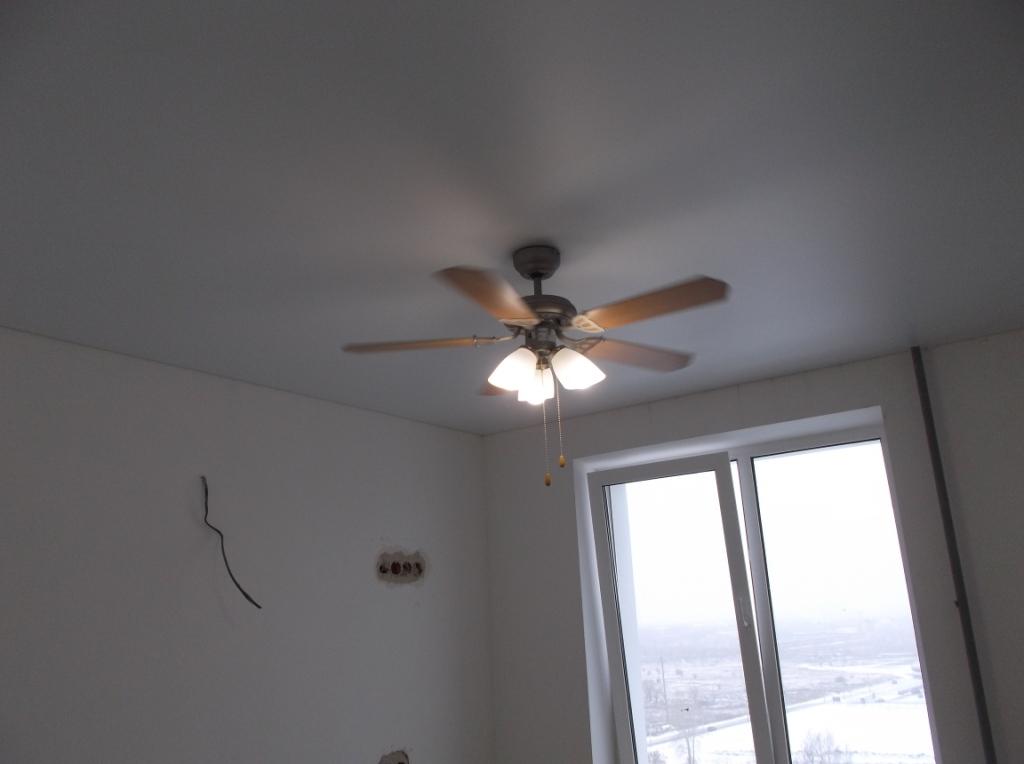 Люстра-вентилятор на кухне 2