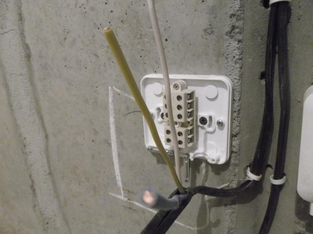 Распредкоробка для электроплиты Монтаж 1