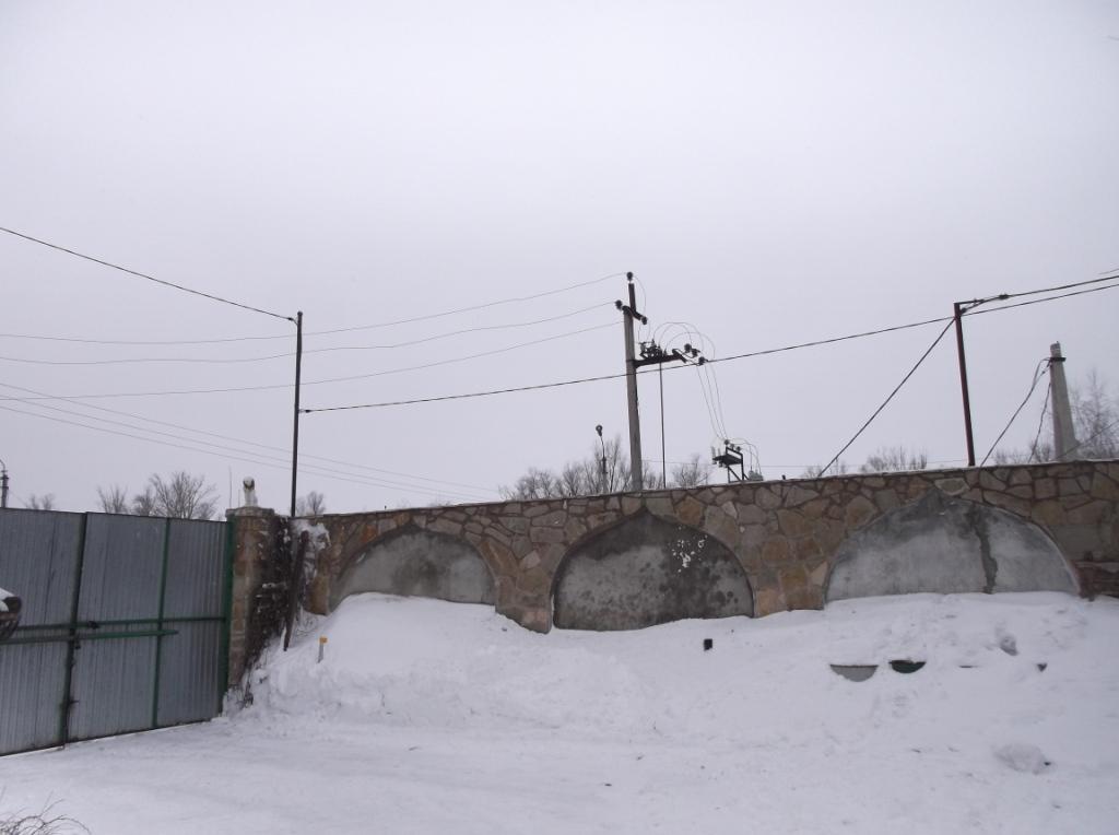 Провод СИП над транспортными воротами 1
