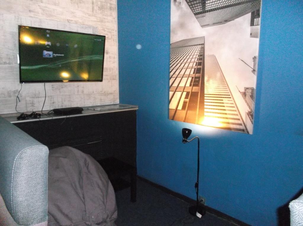 Монтаж освещения в Launge зале 15