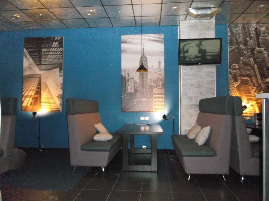 Монтаж освещения в Launge зале 16