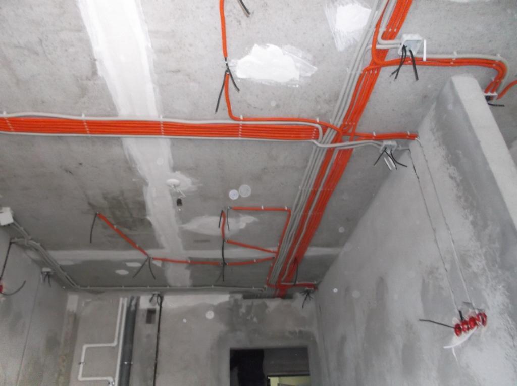 montazh-elektroprovodki-v-gofre-5