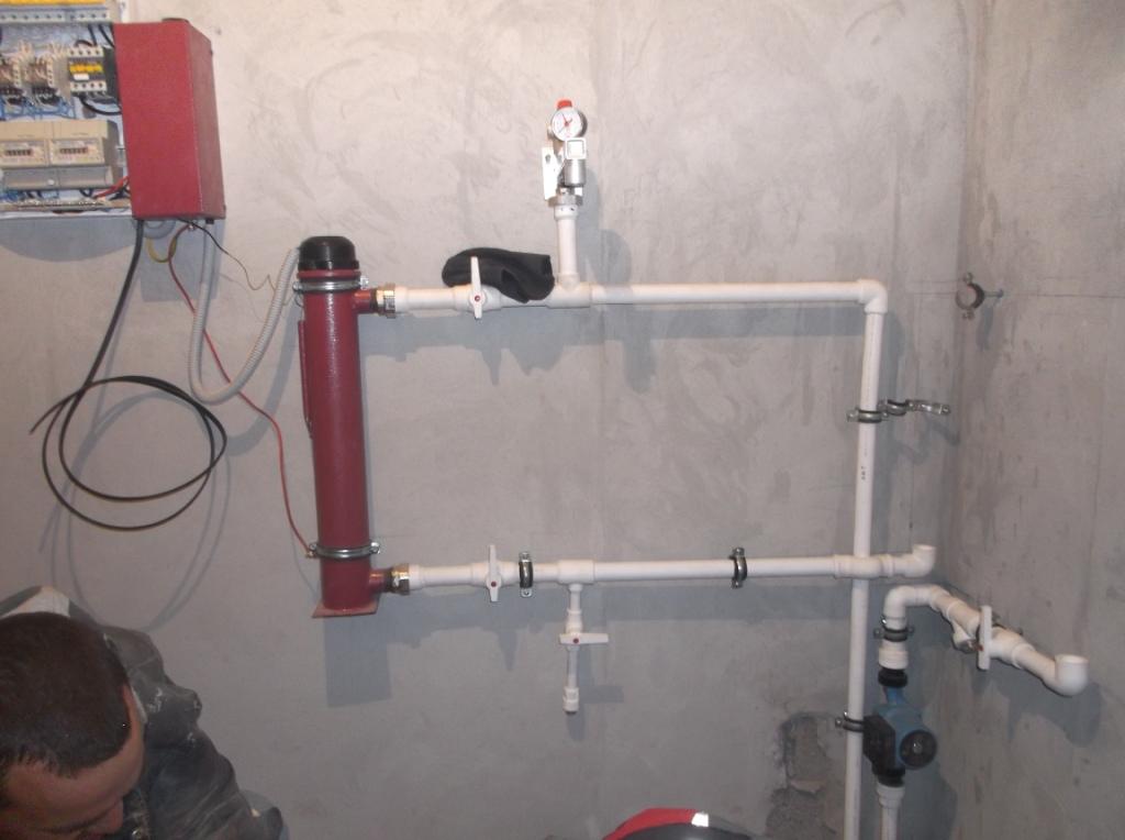 elektromontazh-zagorodnogo-doma-montazh-teplyx-polov-2