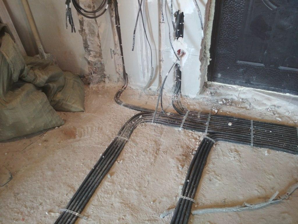 Электопроводка в коридоре 2