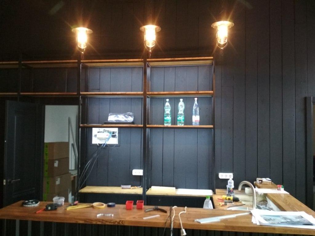 Монтаж освещения стойки администратора 2